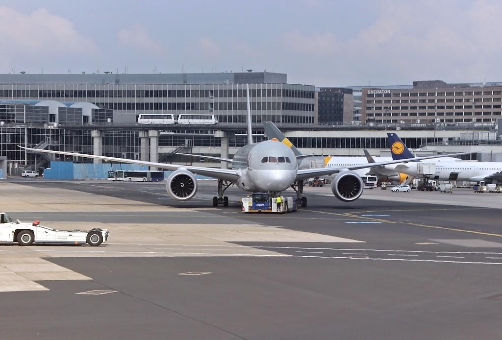 USA-AIR 002